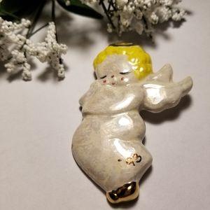 Beautiful VTG Porcelain Angel Brooch